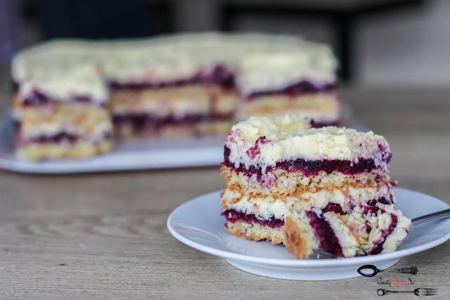 ciasta i desery,ciasto z masą budyniową,krem kokosowy, ciasto z wiórkami kokosowymi, ciasto z musem owocowym, ciasto z owocami, ciasto na biszkopcie, biszkopt kokosowy