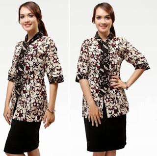 Contoh Kombinasi Kemeja Batik Wanita dengan Rok Modern