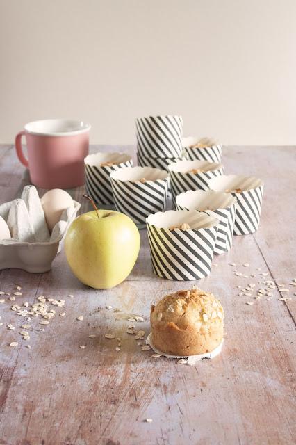 Muffin light con mele e fiocchi d'avena