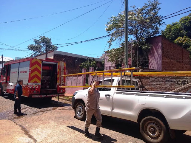 Se incendió una vivienda familiar sobre la calle Carlos Gardel de Posadas