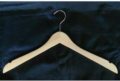 Hanger Kayu Dewasa