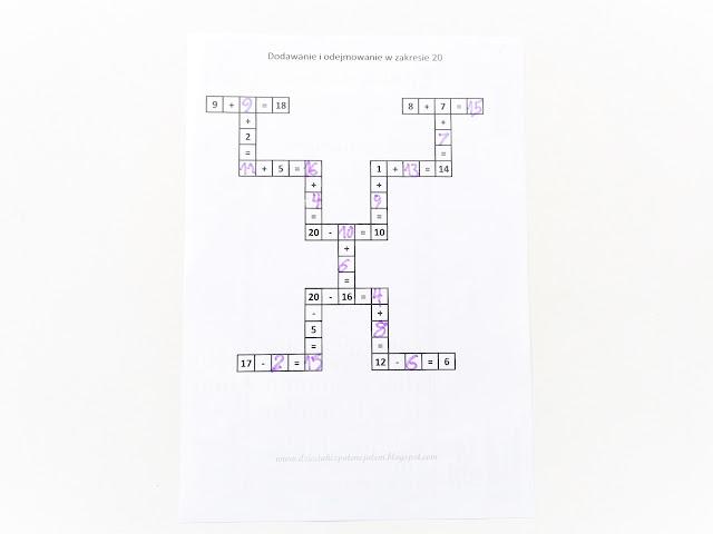 na zdjęciu krzyżówka matematyczna, w której mamy uzupełnione część danych a reszta jest wpisana przez dziecko