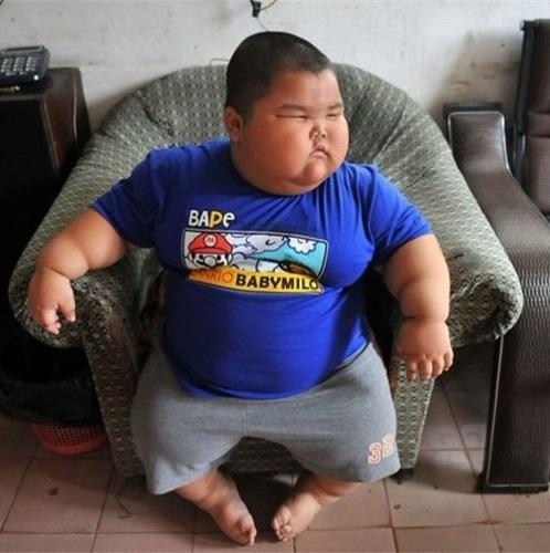 Śmieszne memy i obrazki o grubasach i otyłych.  Grubasy dzieci.