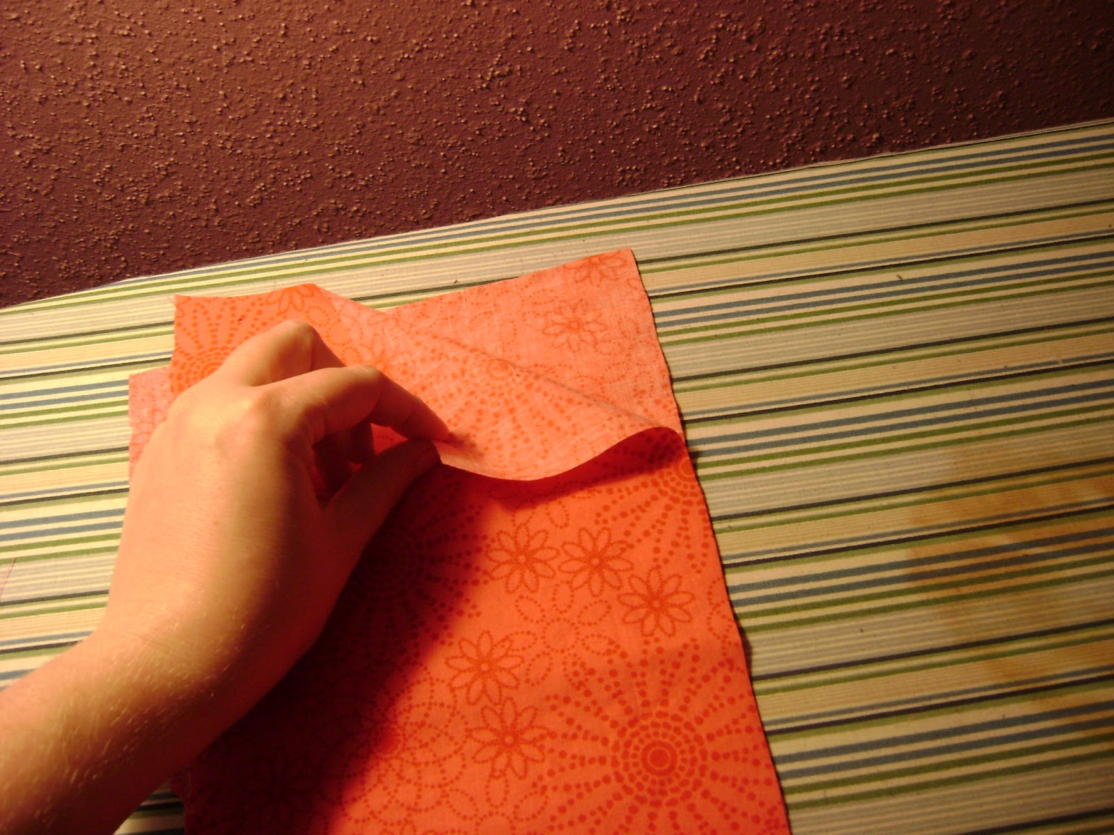 French seams the Stacie way: Tutorial - Stacie Thinks She Can