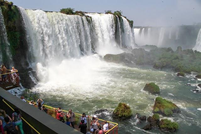 Ocupação hoteleira no Carnaval sinaliza boa retomada do turismo em Foz do Iguaçu