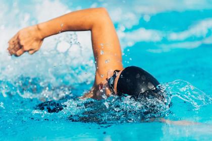 Penyebab Utama Mata Jadi Merah Karena Berenang