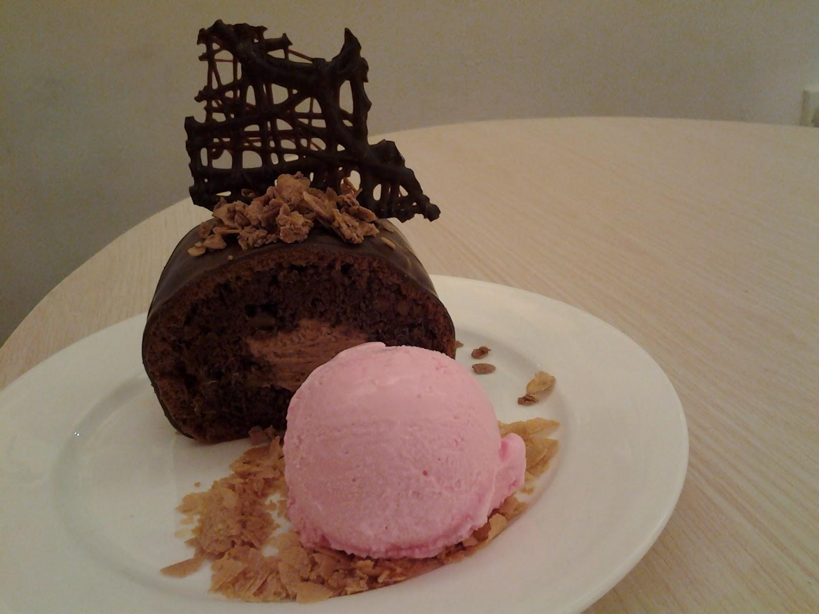 Resep Banana Cake Ala Jepang: Inspirasikukeni: Rati Rati, Bakery Yang Menyajikan Bolu