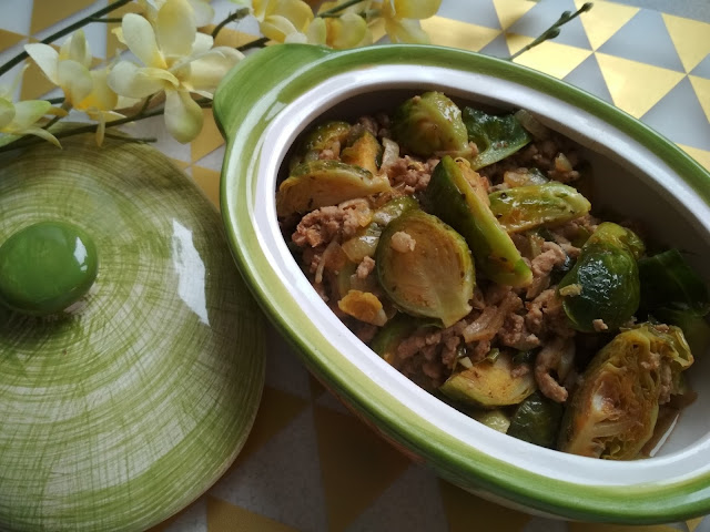 kuchnia, przepis, brukselka, łatwy obiad, co na obiad, pomysł na obiad, tani obiad, potrwaka, potrwaka z brukselki i mięsa mielonego,  blog kulinarny
