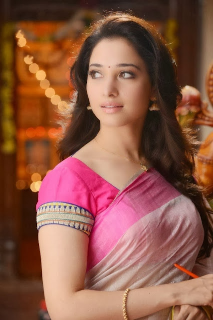 Tamanna hot stills in saree