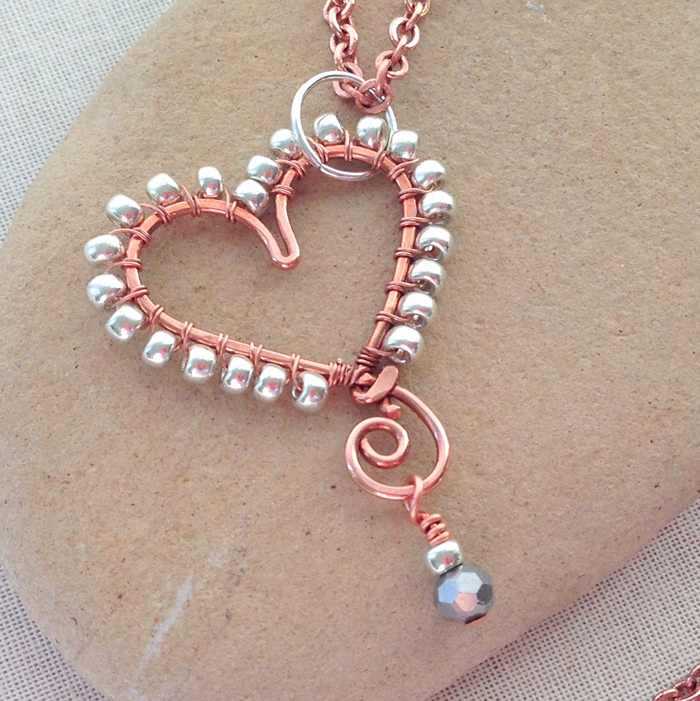 Wire wrapped beaded heart project - free tutorial at Lisa Yang's Jewelry Blog