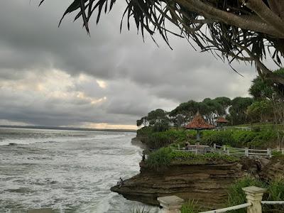 Pemandangan Pantai Batuhiu | Admin tuankecilberwisata