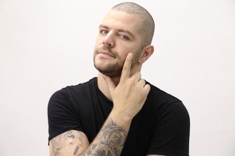 """Victor Sarro traz show """"To Brincando"""" para o Interiorano Comedy em Campinas"""