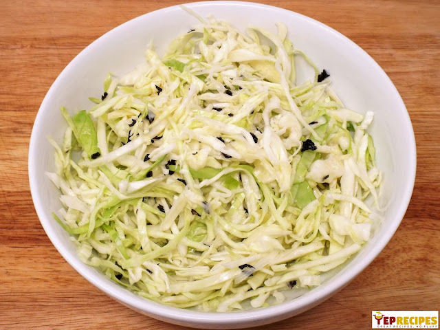 Salatet Malfouf (Lebanese Cabbage Salad)