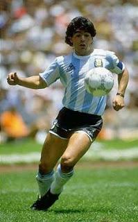Bu haber, diego armando maradona kimdir, maradona hayatı, arjantin, ile ilgilidir.