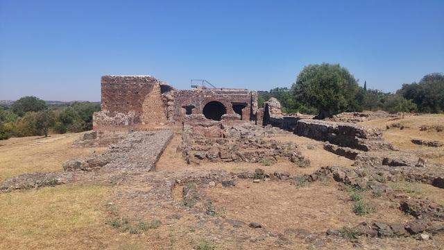 Ruínas de São Cucufate, Vidigueira: fundações da villa do Bispo