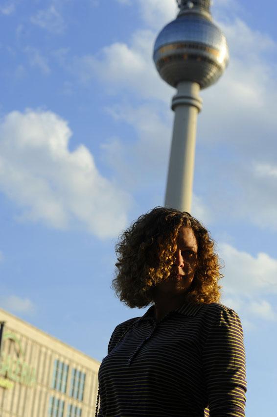 sea of teal sightseeing in berlin. Black Bedroom Furniture Sets. Home Design Ideas
