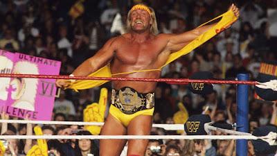 Hulk Hogan dengan aksi mengoyakkan baju