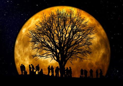 استخراج الأكسجين من صخور القمر