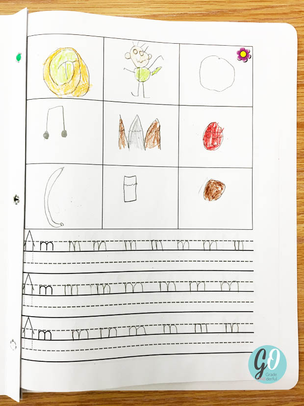 Read about my printing practice in my Grade 1 class and grab your own printing template. I love the way we do this because it's closely tied in to The McCrackens Spelling Through Phonics program. #gradeonederful #printing #firstgradeprinting #printinginfirstgrade