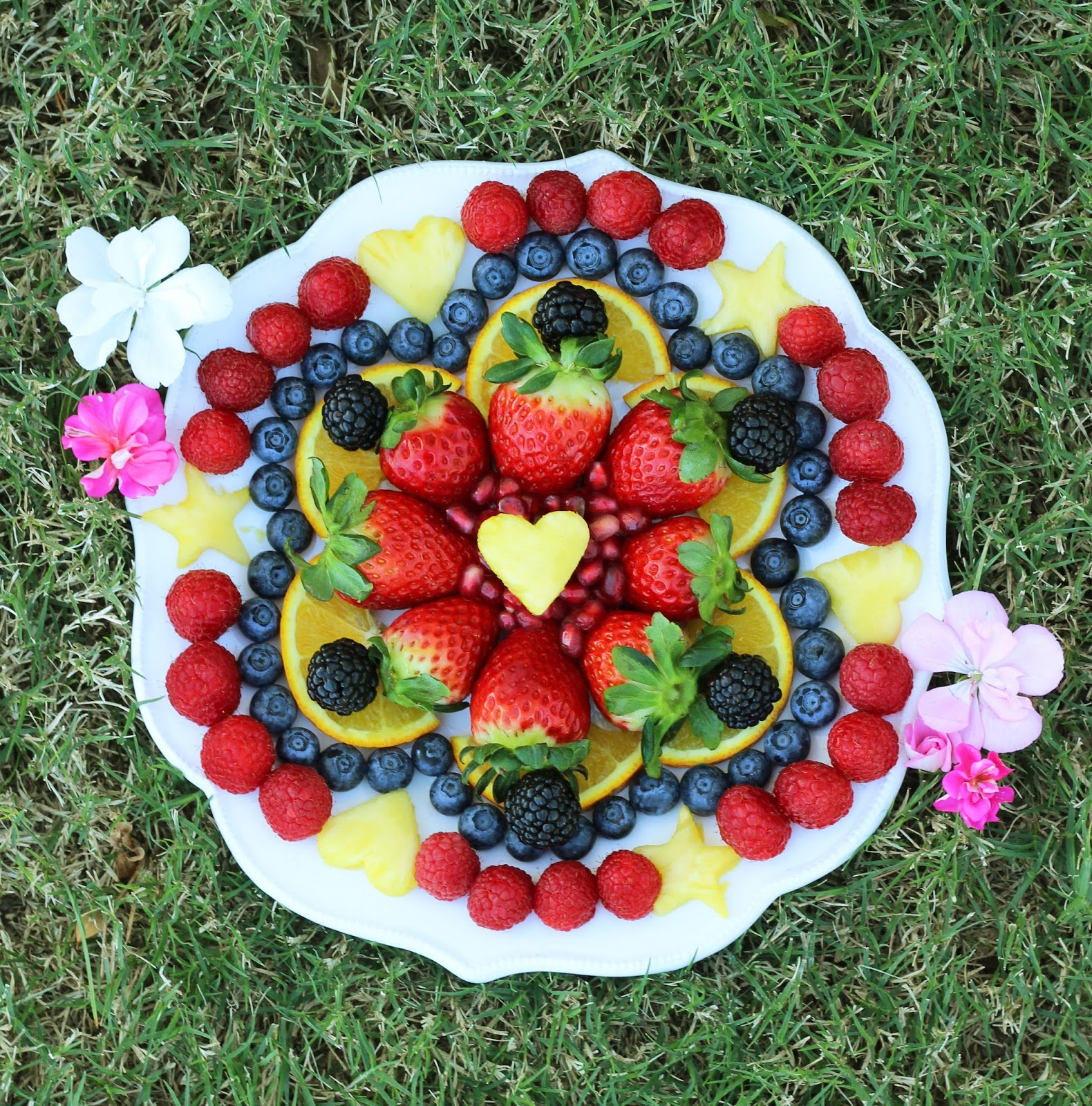 Rainbow Coordinated Fruits: Treese, Love, Happiness.: Eat The Rainbow Fruit Salad