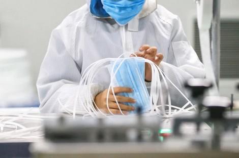 لأول مرة وزارة الصحة توصي المغاربة بارتداء الكمامات