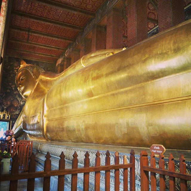 foto patung budha tidur thailand