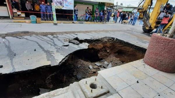 URGENTE Se abre enorme socavón en Iztapalapa y ¡hallan  restos humanos!