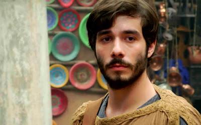 Abrão (Vitor Novello) em cena de Gênesis: protagonista não ligará para ameaça do pai