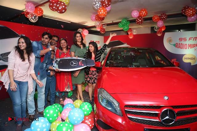 Raashi Khanna at Mirchi 95 Suno Mercedes Jeeto Contest Stills  0026