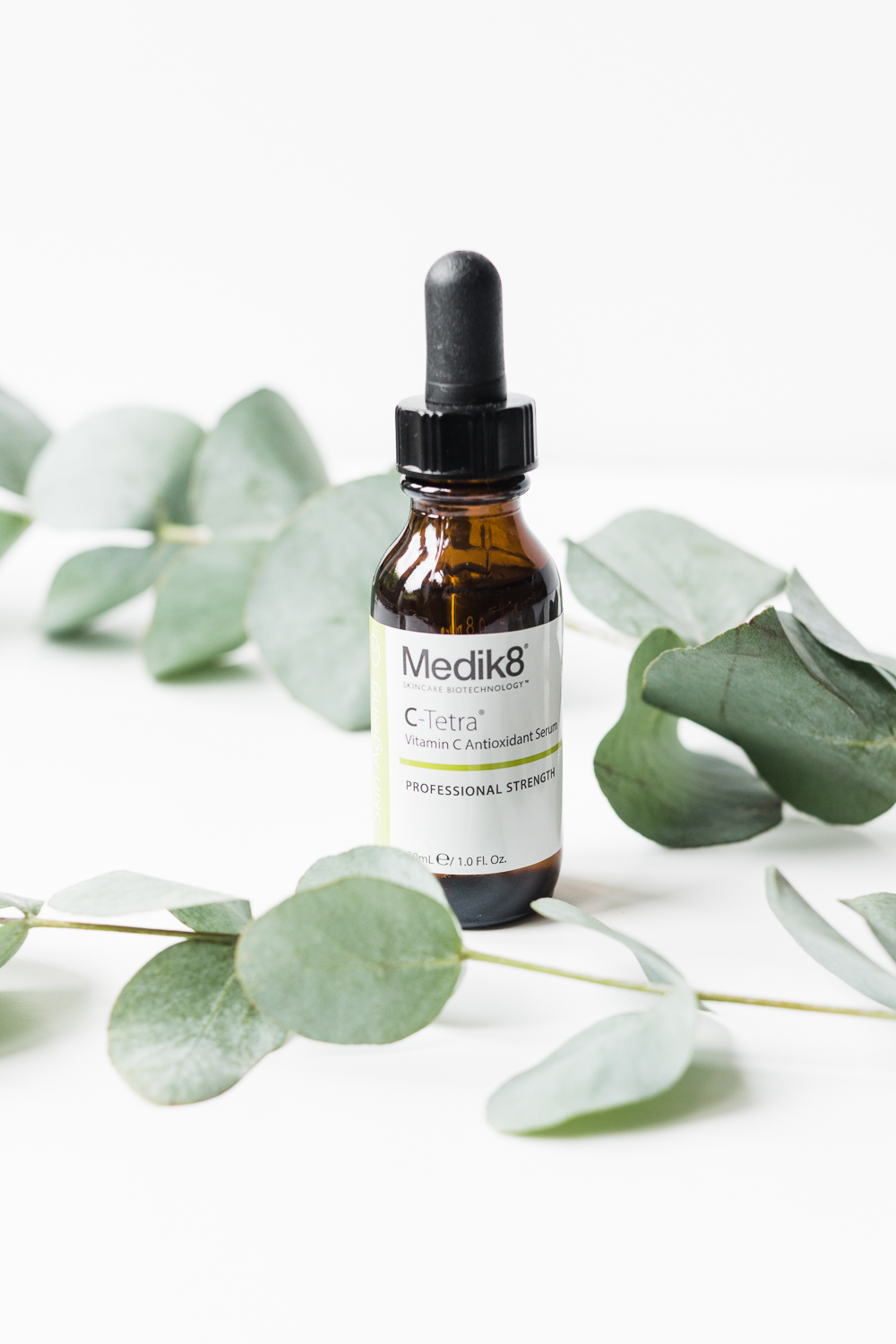 Medik8-vitamin-c-serum-review-Barely-there-beauty-blog-photography
