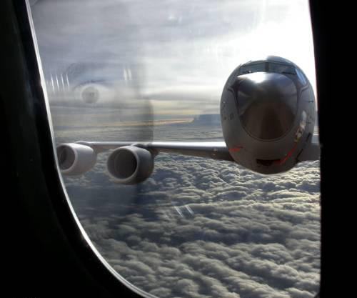 avión a punto de estrelallarse