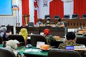 Sejumlah Guru Wadul Ke DPRD Soal Mutasi Kepala Sekolah