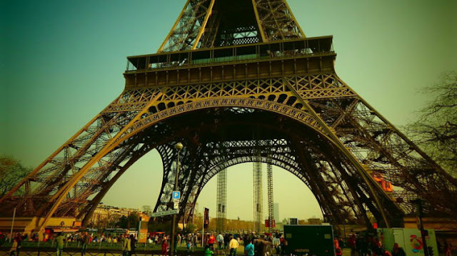 taxi fare from paris gare du nord to eiffel tower