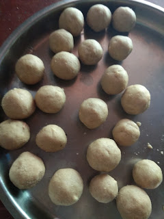 Wheat flour laddu / hittina laadu