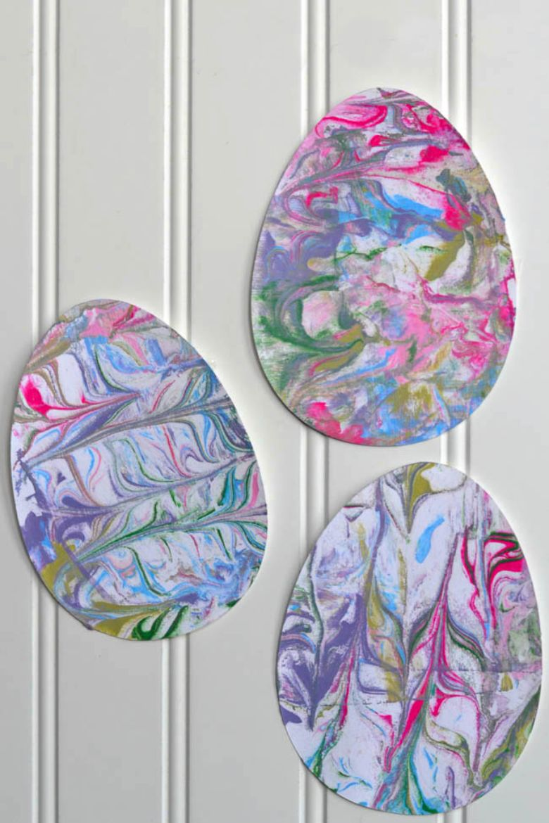 Easter crafts for toddlers - shaving cream painted eggs