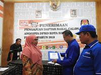 <b>PAN, Pendaftar Pertama Bacaleg 2019 di KPU Kota Bima</b>