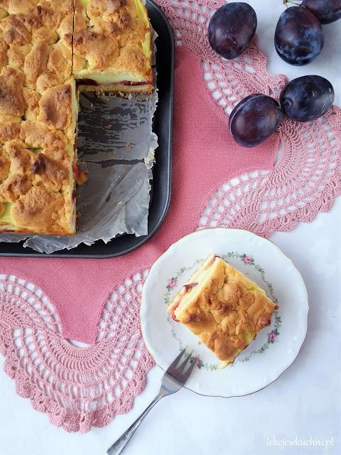 Ciasto ze śliwkami i budyniem przepis