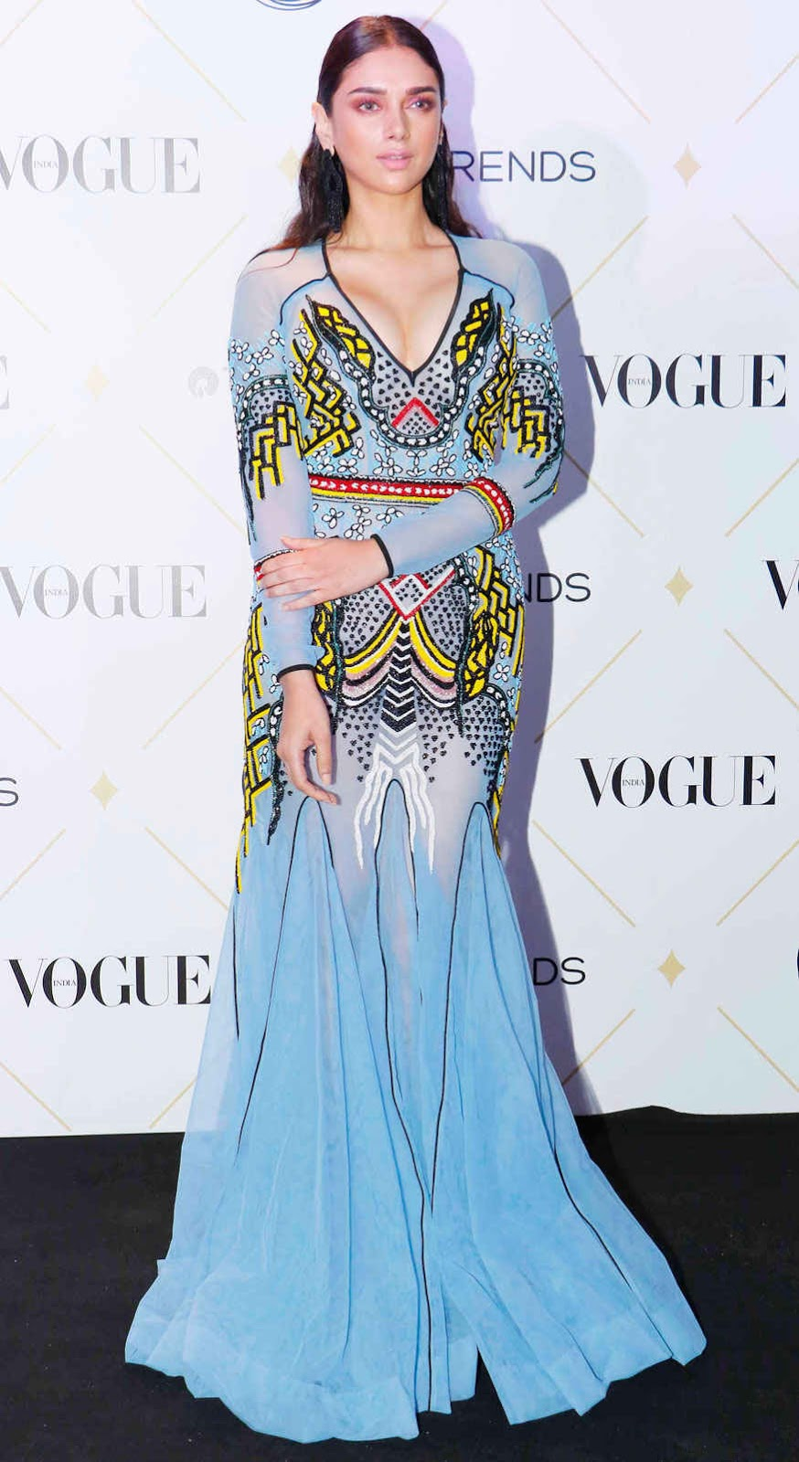 Aditi Rao Hydari SIzzles at The 'Vogue Beauty Awards 2017' on Wednesday