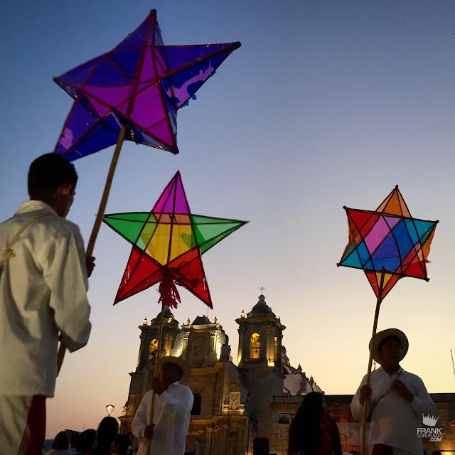 Faroleros en Basilica de la Soledad Oaxaca