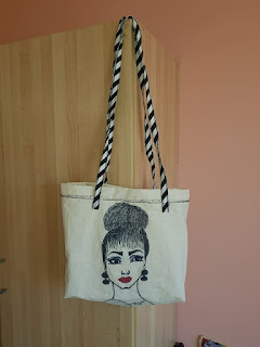 b5b71baad449 free motion embroidery: Creative bags, my design, my drawing face ...