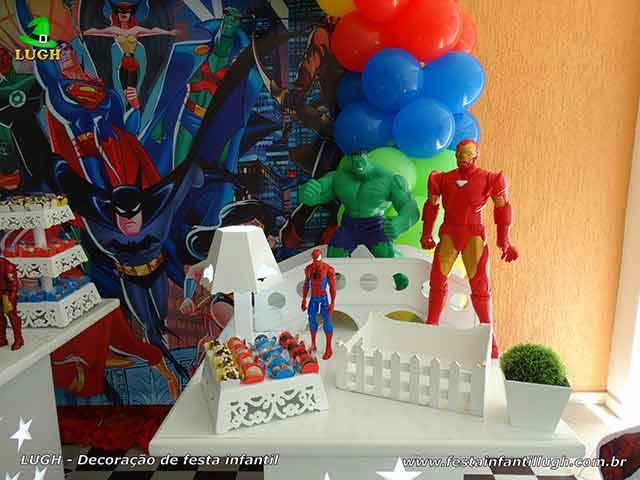 Decoração de mesa infantil tema dos Super Heróis