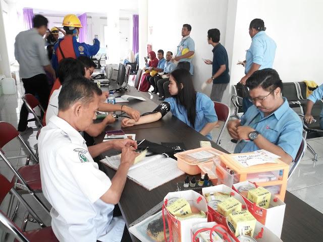 Ratusan Karyawan PT OKI Pulp Lakukan Aksi Donor Darah