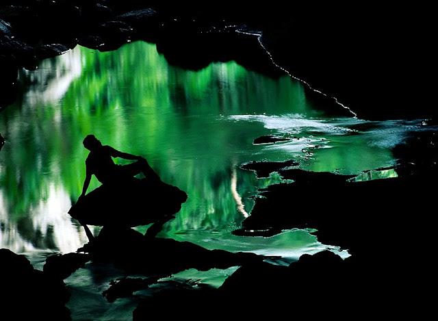 силуэт в пещере