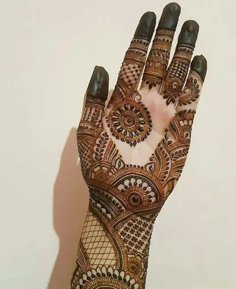 latest-henna-for-karwa-chauth