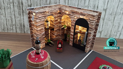 Geschenkbox Überraschungsbox Explosionsbox Weinkeller Wein Geldgeschenk Gutscheinverpackung Weinschrank