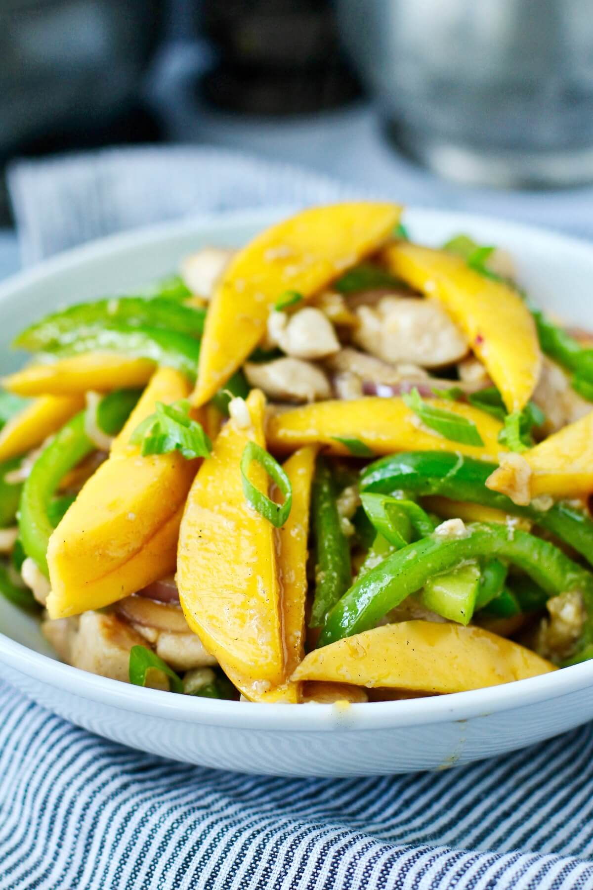 Stir-Fry Mango Ginger Chicken with red onions