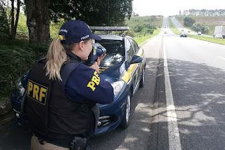 Motociclista é flagrado a 199 km/h em rodovia federal na Paraíba