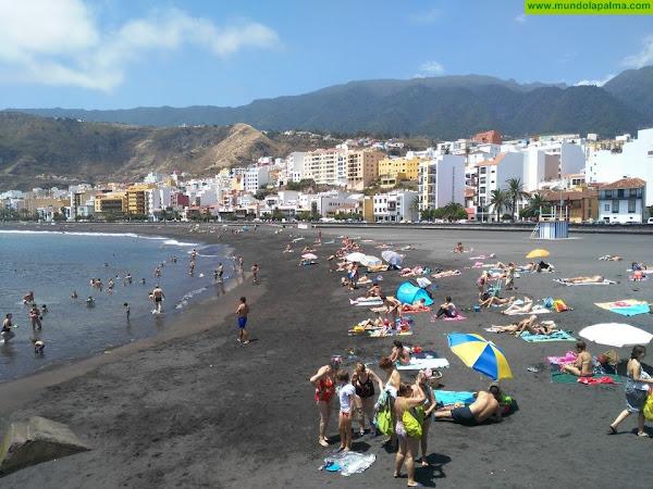 Costas publica la solicitud del ayuntamiento de ocupar terrenos en la playa para la instalación de kioscos