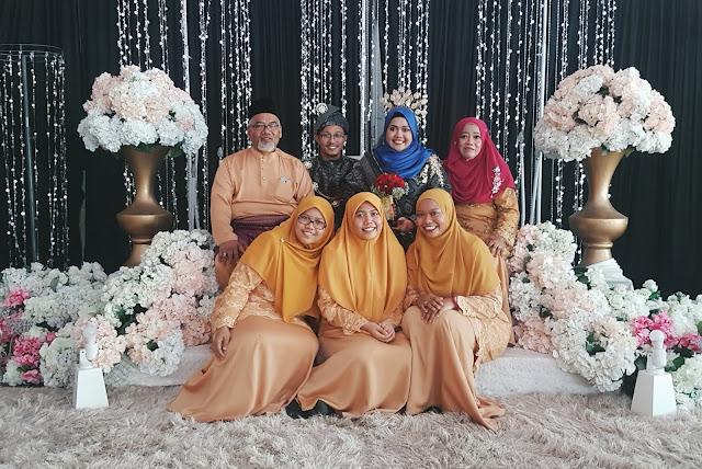 Hasnidah's Family