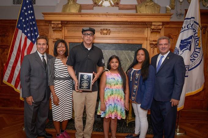 Dominicano reconocido como héroe por salvar niña de 11 años  atacada por dos  perros  Bull Mastiffs  en Yonkers